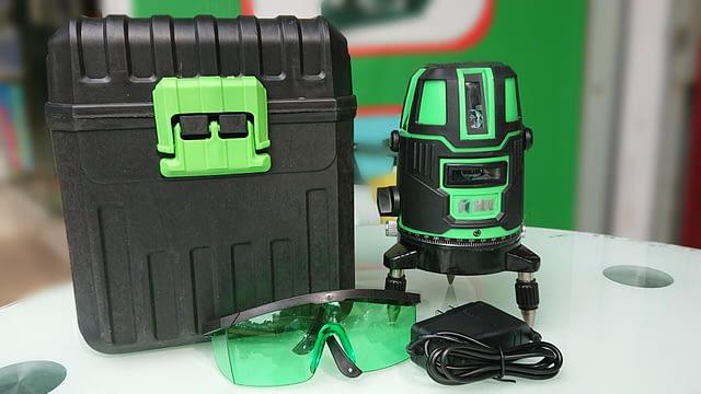 may-thuy-binh-laser-5-tia-xanh