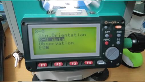 Bố trí điểm ra thực địa bằng máy toàn đạc điện tử Sokkia