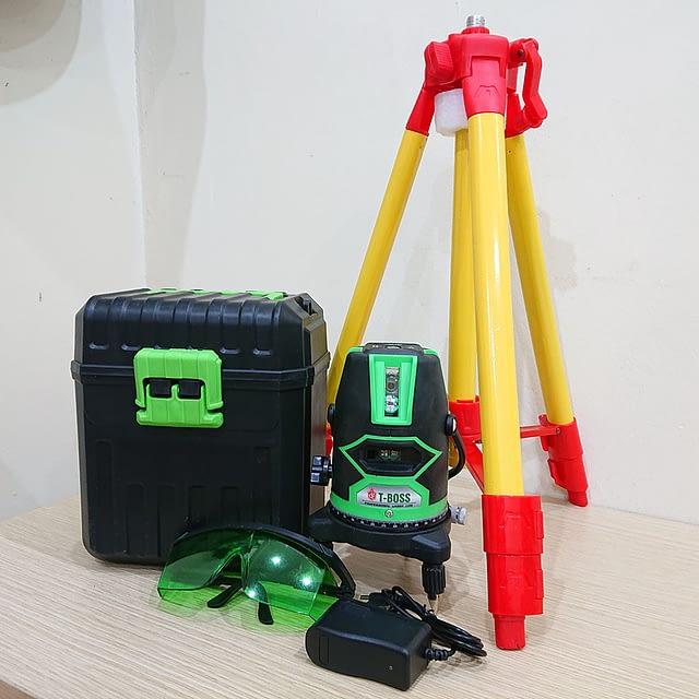 may-thuy-binh-laser-tia-xanh-2